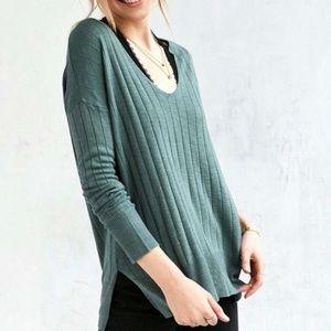 UO Kimchi Blue - Ribbed Knit Deep V Tunic Sweater